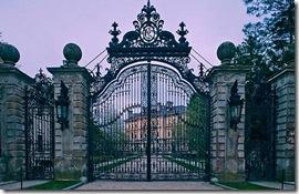 Breakers Gate